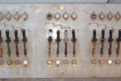 quadro elettrico antico  da teatro
